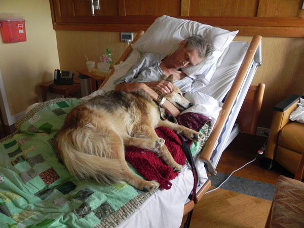man dying from lung cancer gets his last wish to spend it with his dog. Black Bedroom Furniture Sets. Home Design Ideas